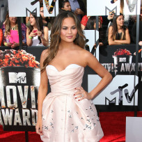 Chrissy-teigen-at-mtv-movie-awards