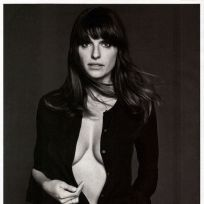 Lake Bell Cleavage Photo