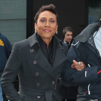 Robin-roberts-on-the-street