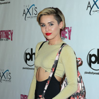 Miley Cyrus Purse Photo