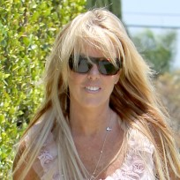 Dina-lohan-paparazzi-photo