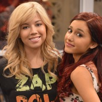 Jennette-mccurdy-and-ariana-grande-photo
