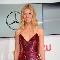 Gwyneth-paltrow-sparkly-dress-photo