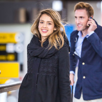 Jessica-alba-at-jfk