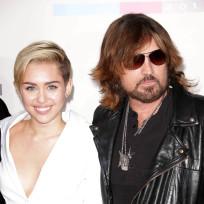 Miley-cyrus-and-billy-ray-cyrus-red-carpet