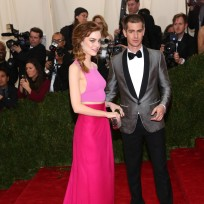 Emma-stone-and-andrew-garfield-at-the-met-gala