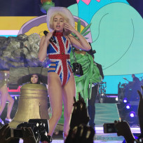 Miley Cyrus Goes British