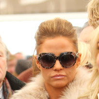 Katie-price-with-glasses