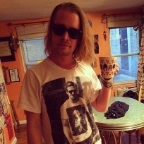 Macaulay-culkin-ryan-gosling-shirt