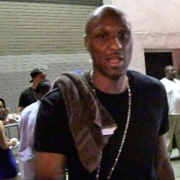 Lamar odom outside a club