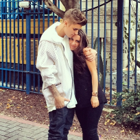 Justin Bieber Hugs Mommy