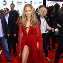 Jennifer-lopez-at-the-billboard-music-awards