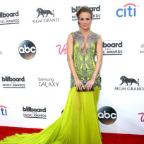 Carrie-underwood-at-the-billboard-music-awards