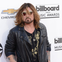 Billy-ray-cyrus-at-the-billboard-music-awards