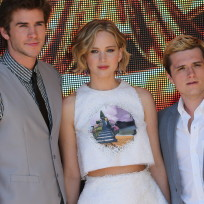 Liam-hemsworth-and-jennifer-lawrence-and-josh-hutcherson