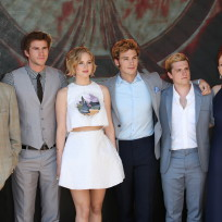 Mockingjay-cast-photo