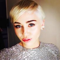 Miley Cyrus Glam Selfie