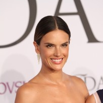 Alessandra-ambrosio-at-fashion-awards