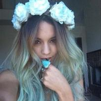 Vanessa-hudgens-blue-hair