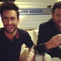 Adam-levine-and-blake-shelton