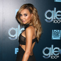 Naya rivera red carpet pose