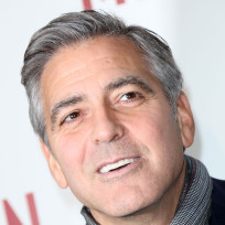 George-clooney-in-a-scarf