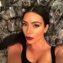 A-kim-kardashian-selfie
