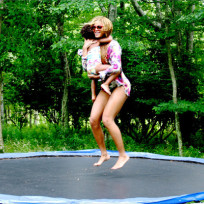 Blue-ivy-and-beyonce-trampoline