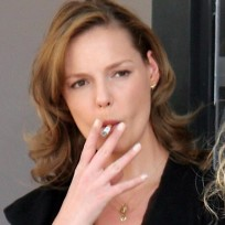 Katherine-heigl-smoking
