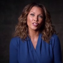 Vanessa-williams-on-own