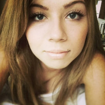 Jennette-mccurdy-instagram-selfie