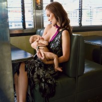 Olivia-wilde-breastfeeding