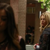 Hanna on pretty little liars