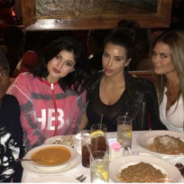 Kim-kardashian-at-dinner