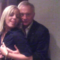 Jerry-jones-gropes-woman