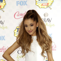 Ariana Grande at the 2014 Teen Choice Awards