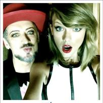 Taylor-swift-and-boy-george-selfie