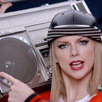 Taylor-swift-rapping