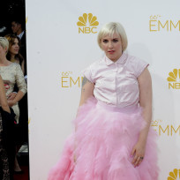 Lena-dunham-at-the-2014-emmys