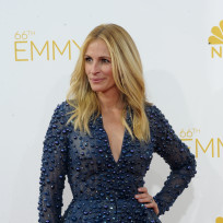 Julia roberts at the 2014 emmys