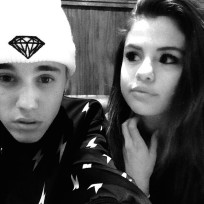 Justin-bieber-and-selena-gomez-selfie