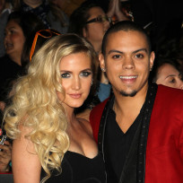 Ashlee-simpson-and-evan-ross-photo