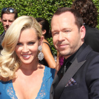 Jenny-mccarthy-and-donne-wahlberg-pic