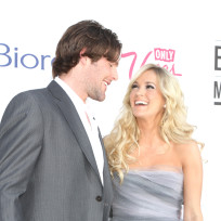 Mike-fisher-with-carrie-underwood