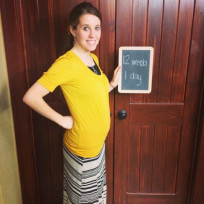 Jill duggar baby bump photo 12 weeks