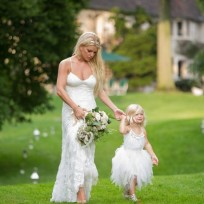 Jessica-simpson-and-daughter