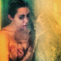 Miley Cyrus Topless Instagram Pic