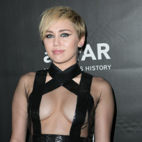 Miley cyrus at the amfar la inspiration gala