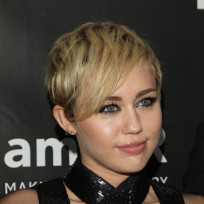 Miley without a bra