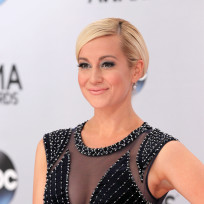 Kellie pickler at the cmas